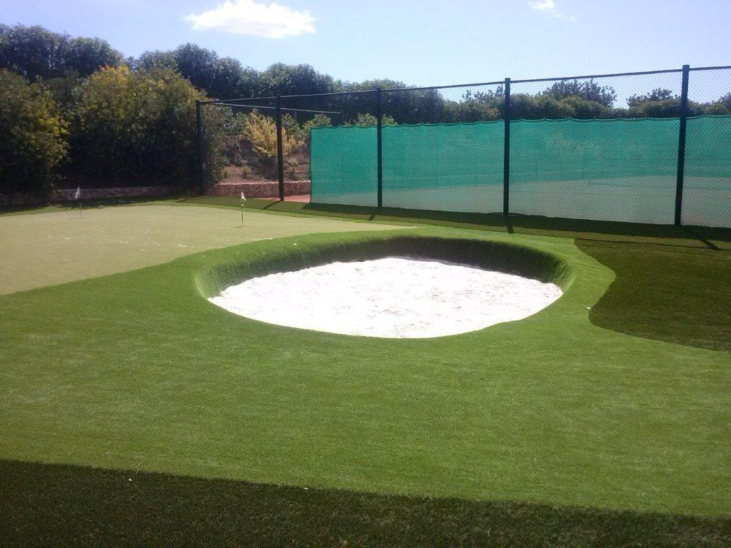 Instalaci n de campo de minigolf jardineria nima verda for Jardineria la noguera